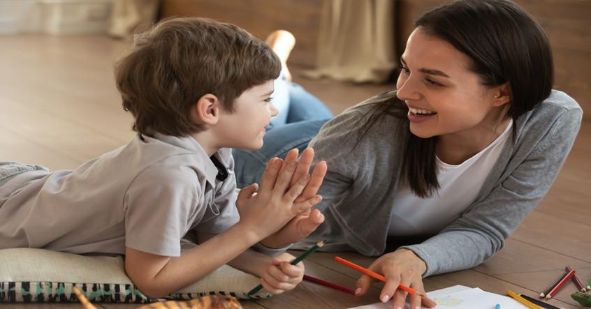 Khi con trai bộc lộ cảm xúc một cách tự nhiên, đó là điều tốt