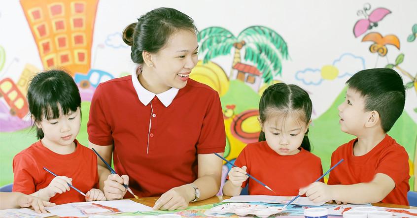 Đại dịch đã ảnh hưởng đến kỹ năng nói của trẻ như thế nào, cha mẹ có thể làm gì để giúp con mình?