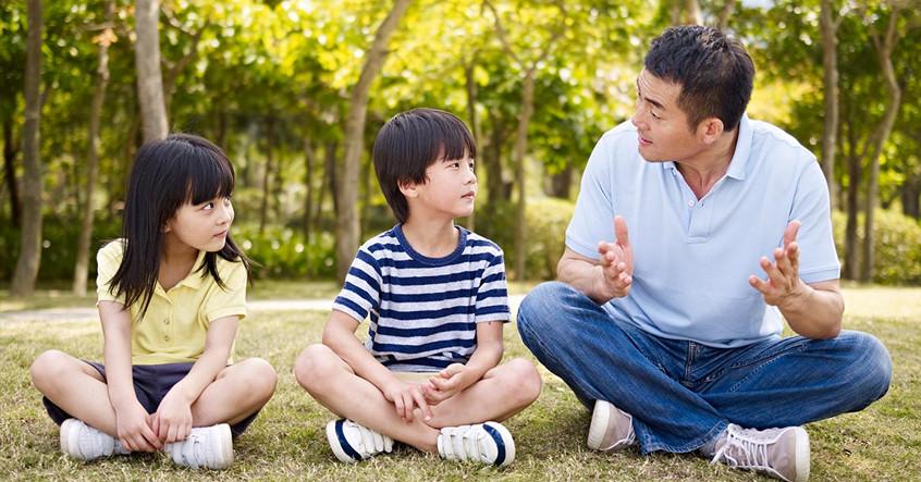 Làm thế nào để nói chuyện với con về bạo lực?