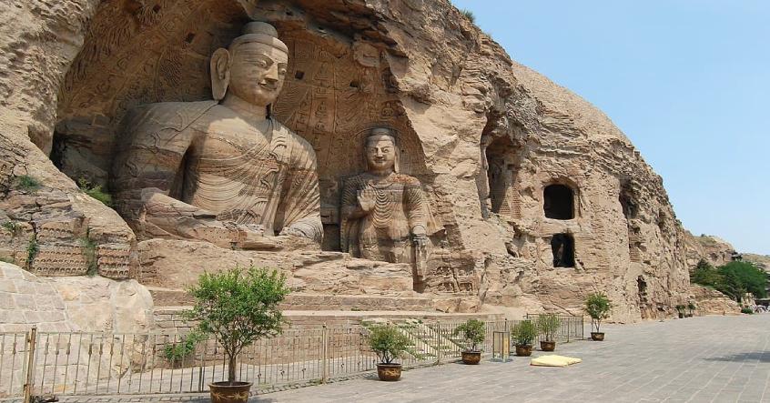 Tạc tượng Phật công đức vô lượng, tại sao người thợ điêu khắc bị đá đè mất mạng?